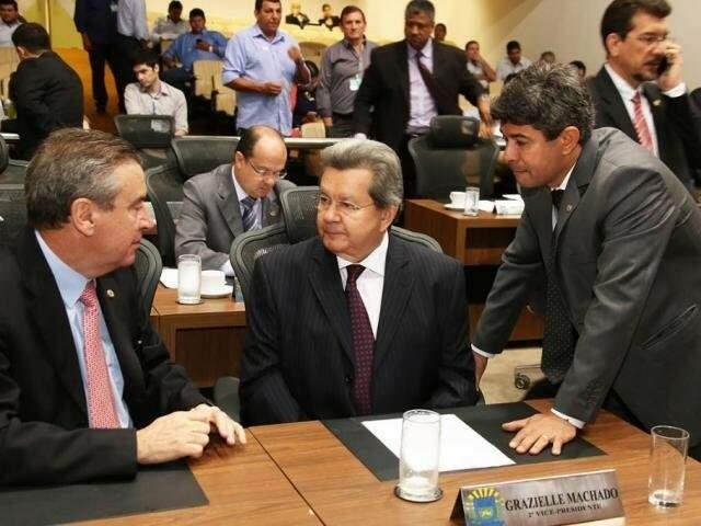 Deputados Paulo Corrêa (PSDB), Onevan de Matos (PSDB) e Rinaldo Modesto (PSDB), durante sessão (Foto: Victor Chileno/ALMS)
