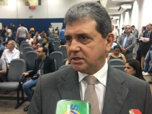 Presidente da Câmara de Vereadores, João Rocha (PSDB), em entrevista durante a sessão desta terça-feira (Foto: Danielle Valentim)