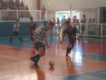 Com cinco jogos no domingo, rodada da Pelezinho teve goleada de 11 a 1