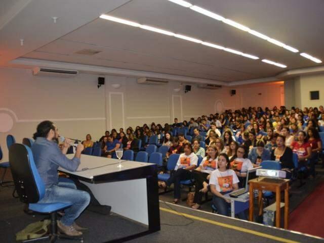 Edição anterior do evento com estudantes de licenciaturas (Foto: Divulgação)
