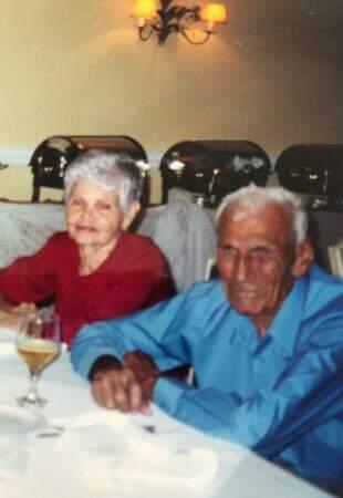 Oneide ao lado do marido, Athayde Martins Barbosa (Foto: Arquivo pessoal)