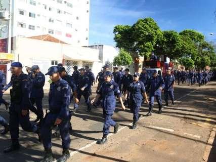 Protestos de servidores municipais fecham parte da Afonso Pena