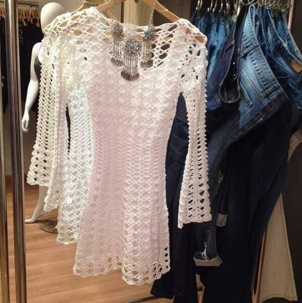 Nos vestidos curtos, preço começa a partir de R$ 380.