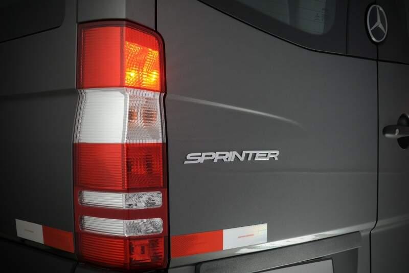 O design traseiro não foi alterado. Porém foi incluíodo novo sistema de iluminação.
