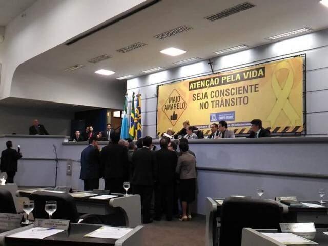 Proposta foi aprovada por 23 votos favoráveis durante sessão desta terça-feira (Foto: Kleber Clajus)