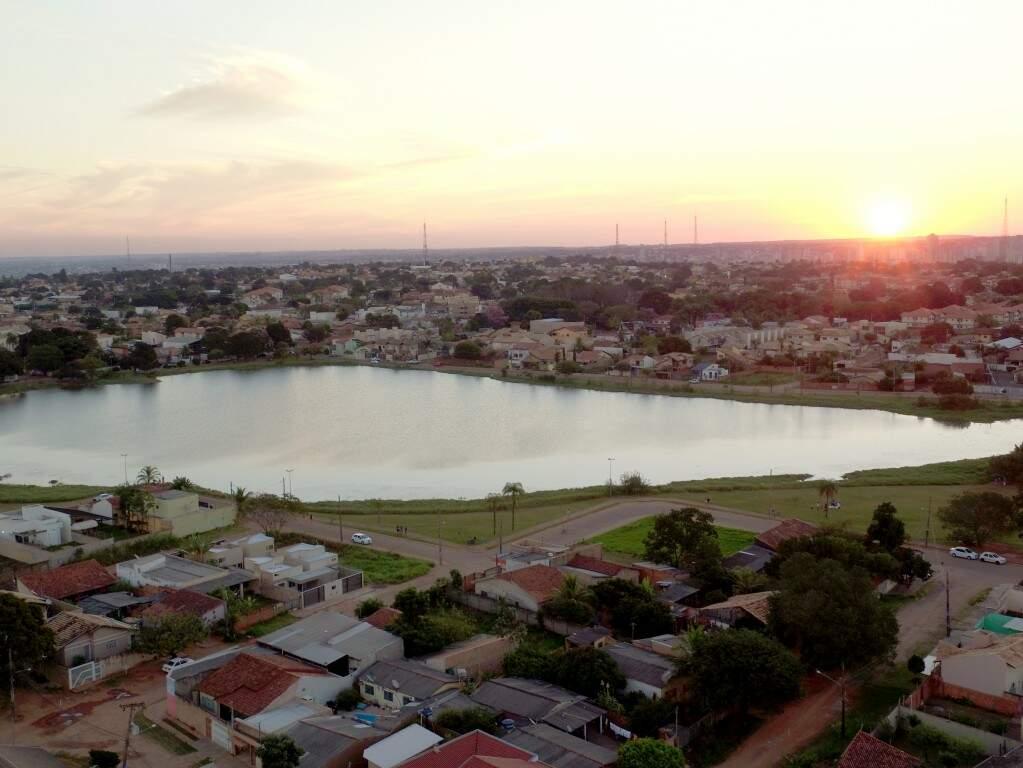 Lagoa Itatiaia, no bairro Tiradentes, vista de cima (Foto: Arquivo/Fly Drone)