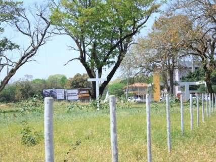 Prefeitura pede de volta área em região nobre doada para sindicato e igreja