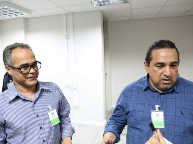 Prefeito de Ladário, Iranil Soares, e o prefeito de Corumbá, Marcelo Lune, não descartam embate judicial para obter a área de conflito fundiário (Foto: Paulo Francis)