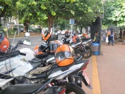 Reinaldo veta mudança na concessão de benefício fiscal a mototaxistas