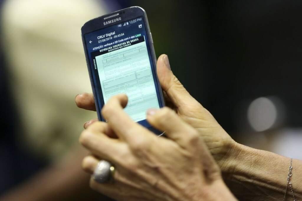 Na primeira fase, documento pode ser baixado por donos de veículos do DF. (Foto: Agência Brasil)