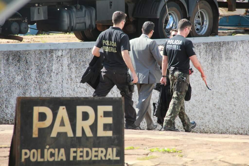 Policiais em operação. A Polícia Federal não custa muito, diz o superintendente. (Foto: Marcos Ermínio)