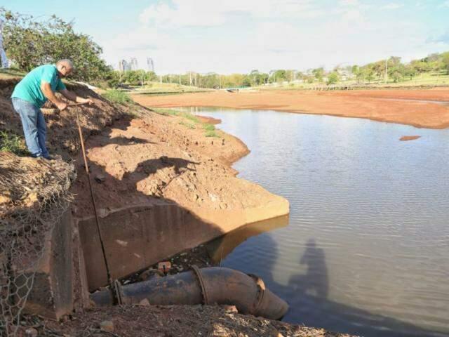Lago do Parque das Nações estará cheio em 48 horas, prevê secretário. (Foto: Paulo Francis)