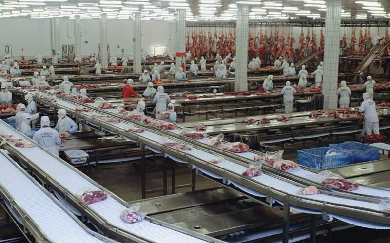 JBS domina o mercado de carne bovina no país. (Foto: Arquivo)