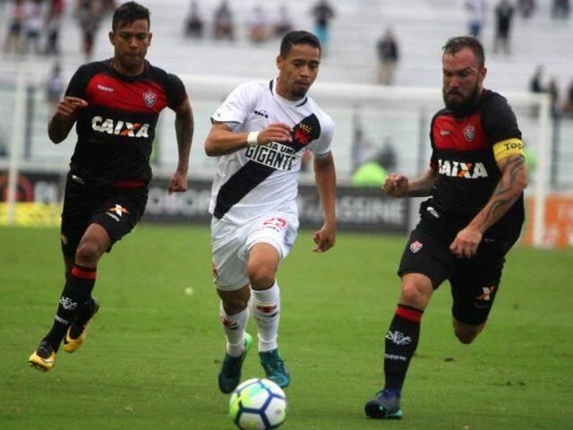 Jogando em casa, Vasco acabou derrotado pelo Vitória em São Januário (Foto: Paulo Fernandes/Vasco)