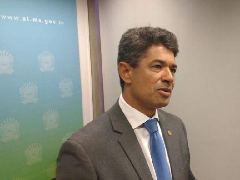 Deputado Rinaldo Modesto em entrevista (Foto: Leonardo Rocha)