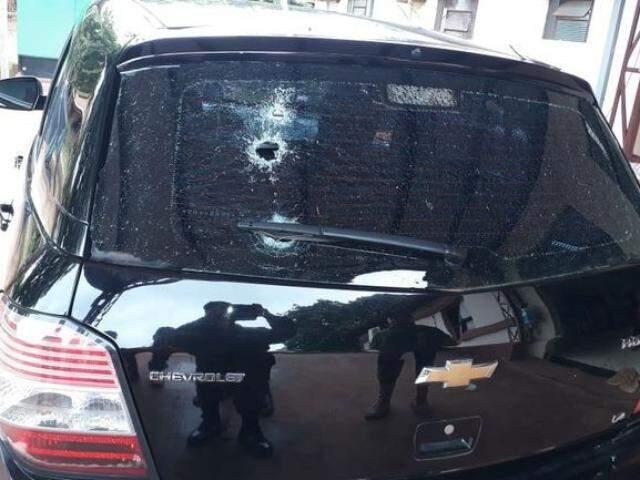 Veículo Ágile em que a vítima estava quando foi alvo dos pistoleiros. (Foto: Capitán Bado)
