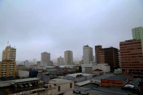 Previsão de pancadas de chuvas e trovoadas em todo o Estado nesta terça-feira