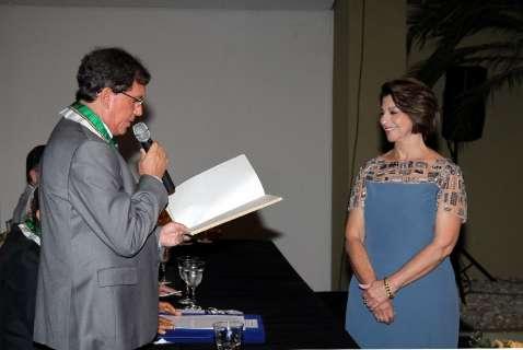 Marisa Serrano toma posse na Academia Sul-Mato-Grossense de Letras