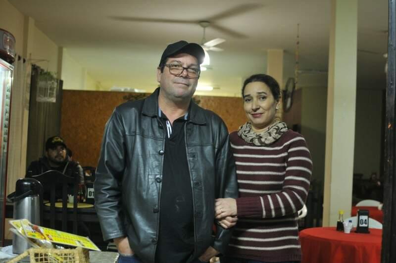 Osvaldo e Marinalva abriram o local depois de viverem 12 anos em São Paulo. (Foto: Alcides Neto)