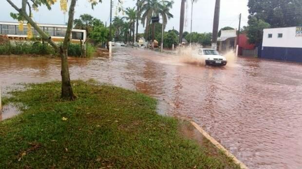 Dia que a lagoa transbordou. (Foto: Nova News)
