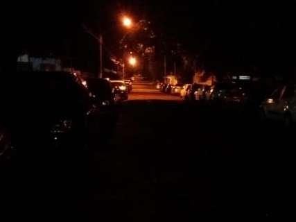 Falta de iluminação é problema recorrente em mais de um ponto da cidade