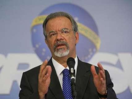 Ministro promete retomada do Sisfron em reunião com governadores