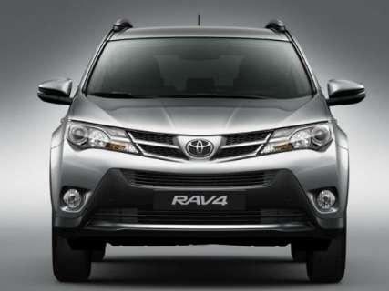 Toyota lança nova versão 4x2 para a linha RAV4 2015