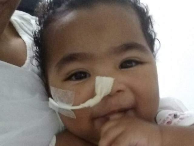 Bebê de 9 meses precisa de aparelho respiratório para deixar hospital. (Foto: Arquivo pessoal)