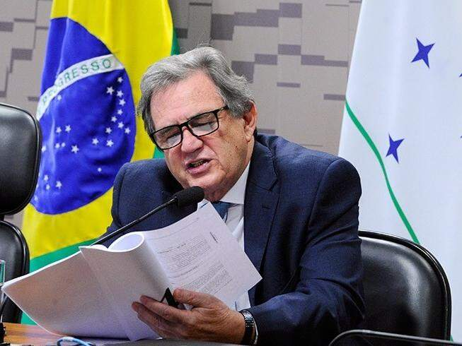 Senador Waldemir Moka (MDB) durante sessão no Senado Federal. (Foto:Edilson Rodrigues/Agência Senado)