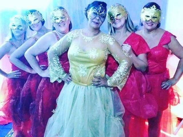 Luiza foi a última e fez com o tema Baile de Máscaras.