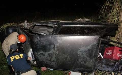 Homem embriagado perde controle de direção e capota veículo na BR-163