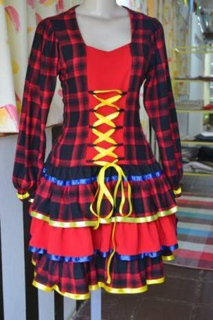 Vestidos feitos com flanela para dias frios, por R$ 65,00. (Foto: Thailla Torres)