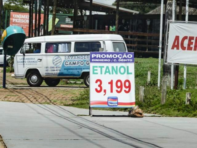 Etanol sofreu redução redução de preço em Campo Grande (Foto: Kísie Ainoã)