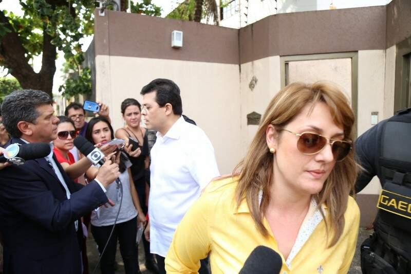 Andreia e Olarte quando foram presos no dia 15 de agosto (Foto: Fernando Antunes/Arquivo)