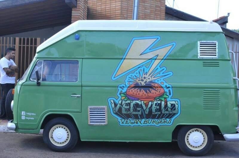 Kombi foi modificada para atender ao food truck (foto: Alcides Neto)