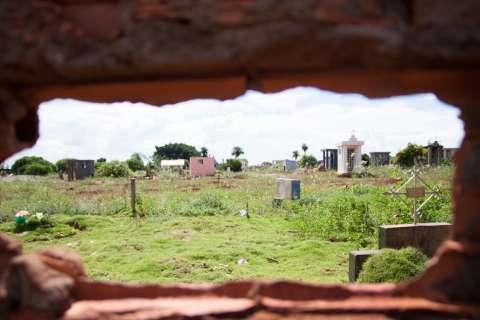 Audiência debate hoje situação de cemitérios na Capital