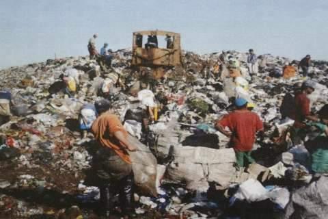 Vistoria do MPT flagra irregularidades no trabalho de catadores no lixão