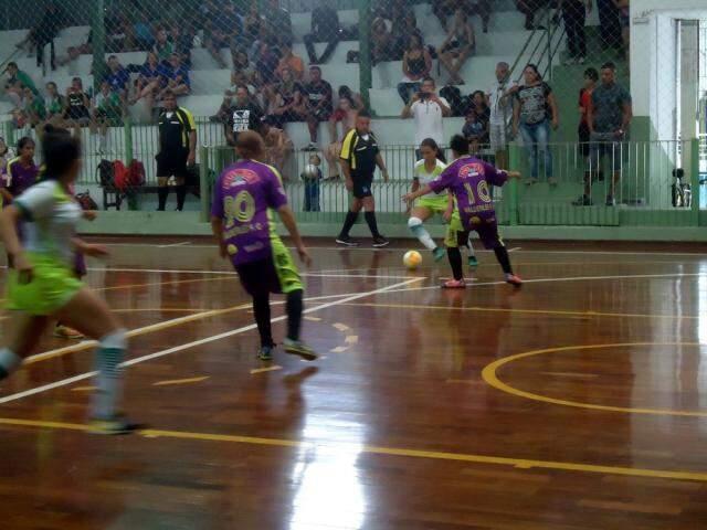 Copa Pelezinho movimenta equipes femininas de futsal ao longo do ano (Foto: Divulgação)