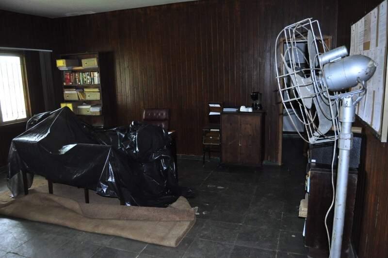 Clube desativado virou principal set do filme do diretor Sérgio Rezende (Foto: Eliel Oliveira)