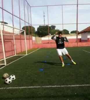 Os treinos são feitos ao ar livre. (Foto: Arquivo Pessoal)