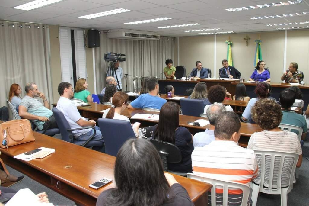 Especialistas apresentaram sugestões durante audiência na Assembleia (Foto: Wagner Guimarães/ALMS)