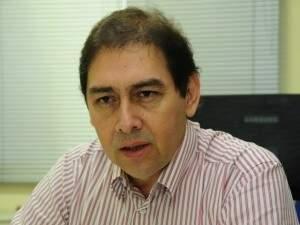 Bernal lamenta oferecer baixo índice de reajuste, mas alega restrição da lei eleitoral. (Foto: Arquivo)