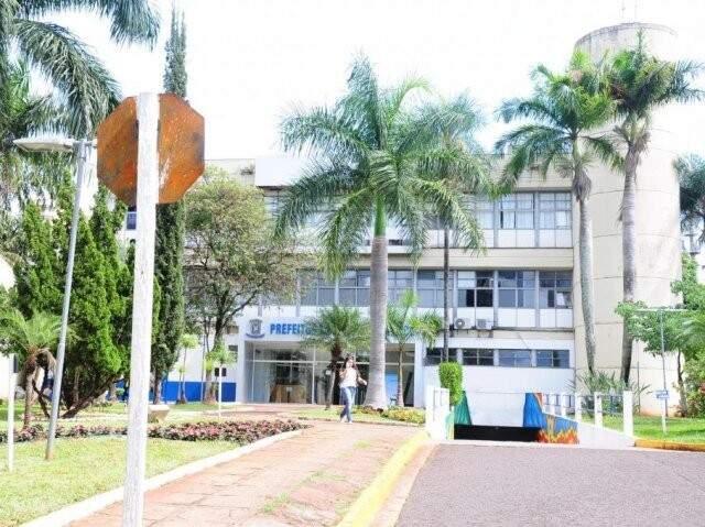 Paço Municipal de Campo Grande em fachada vista da Avenida Afonso Pena (Foto: Arquivo/Campo Grande News)