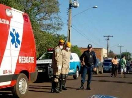Homem é atropelado por caminhão durante caminhada em avenida