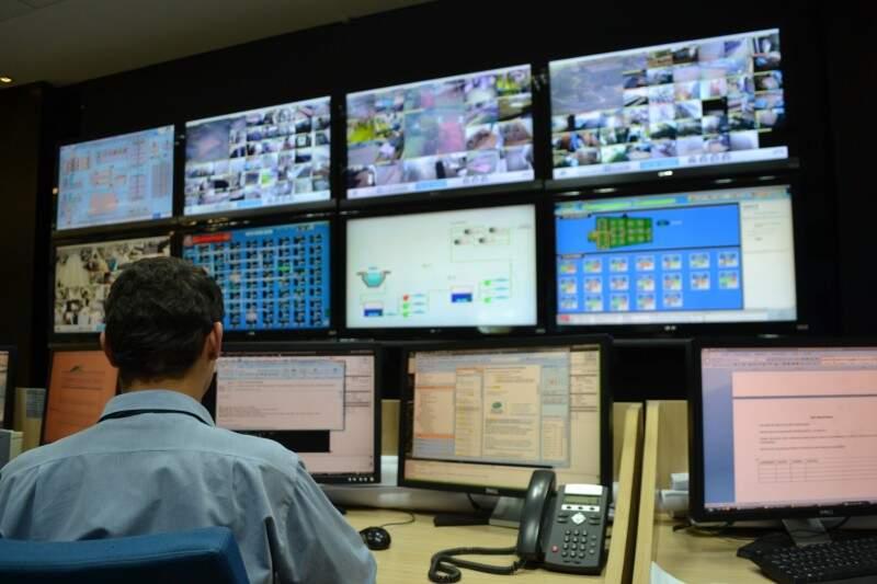 Centro de Controle Operacional da Águas Guariroba (Foto: Simão Nogueira)