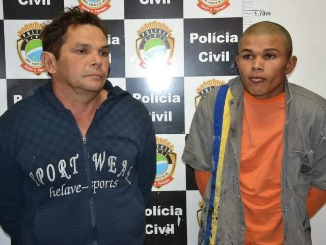 Pai e filho foram presos em flagrante. (Foto: Minamar Júnior)
