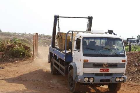 Máquinas quebram, aterro fica fechado e revolta motoristas de caminhões