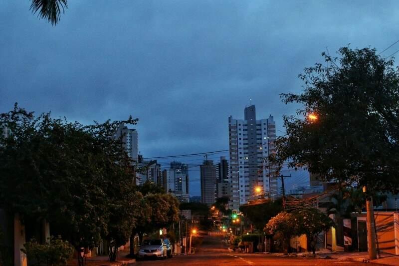Manhã em Campo Grande tem mínima de 22ºC. (Foto: André Bittar)