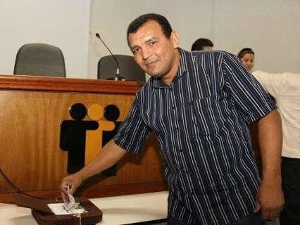 Gaeco faz operação em duas cidades e cumpre mandado na casa de prefeito