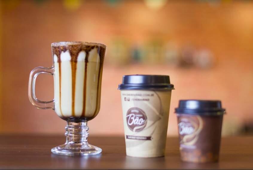 Na taça é que os cafés gelados são servidos, enquanto que os quentes vem no copinho biodegradável. (Foto: Fernando Antunes)